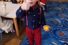 Goździki w pomarańczach